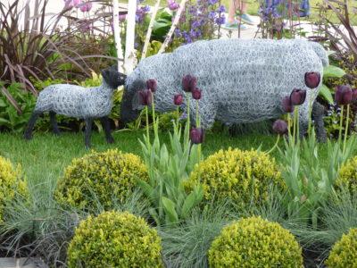 wire sheep sculpture