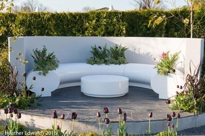 Nikki Hollier Border in a Box RHS Malvern show garden white seating