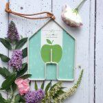 Bird feeder house shape border in a Box